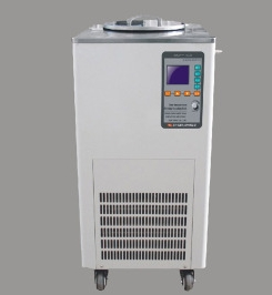 The characteristics and precautions of the use of low temperature constant temperature stirring bath