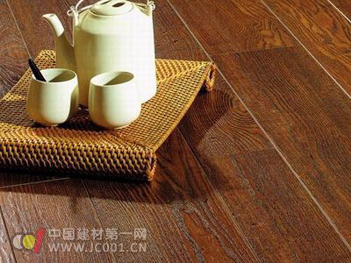 Analysis of the six hidden dangers in the development of China's flooring industry