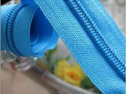 Shantou zipper industry cluster advantages