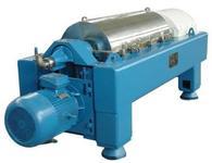 Centrifuge for determination of hematocrit volume