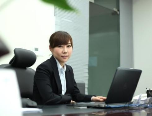 An Interview with Sun Ying, General Manager of Ying Shi Zhong Sheng Shi Hao Store