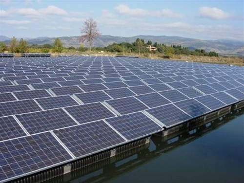 US solar and wind power prices decline