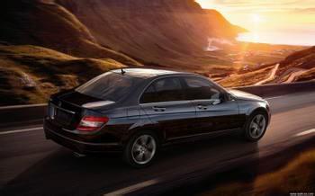 """New Three Guarantees"" Promotes the Development of the Automotive Market"