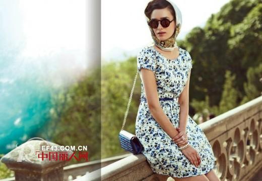 春季女装新品 通勤装与连衣裙如何搭配