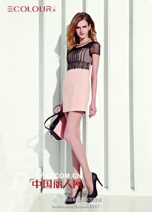 三彩时尚女装 塑造淡定与美丽的女人