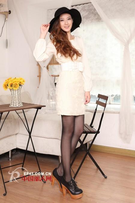 爱诺儿——引领都市知识女性的优雅和时尚穿衣品味