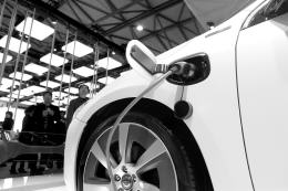 The safety standards for electric vehicles will be issued in the next year to bring about industrial chaos or eliminate pollution