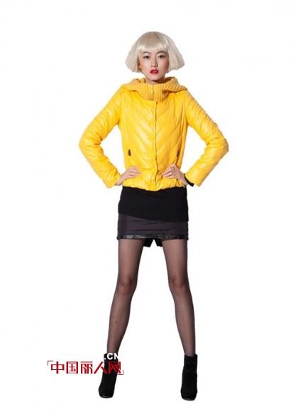 短发女性穿什么羽绒服好看 短款羽绒服搭配