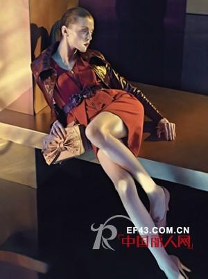 卡洛琳时尚女装 复古与中性玩转多彩魅力