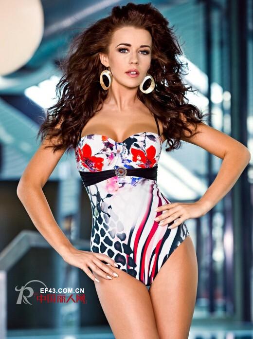 超模姐妹花比基尼诱惑   丹黛雅品牌欢迎你的选购