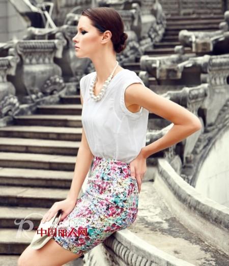 夏季职业装流行款式 职业白领适合穿什么服装