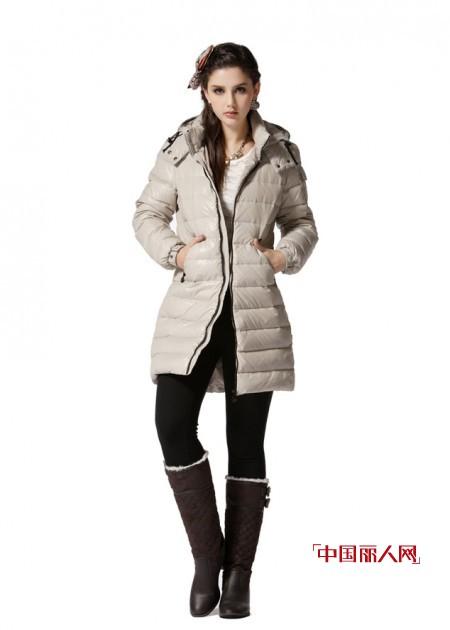 0度左右穿什么衣服  长款羽绒外套轻松御寒