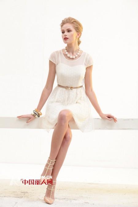 HOKABR红凯贝尔品牌女装新品来袭 打造靓丽装容