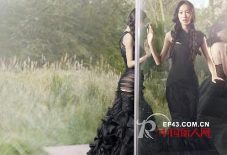 婚纱女王Vera Wang 同名系列上演别具一格2012婚纱大片