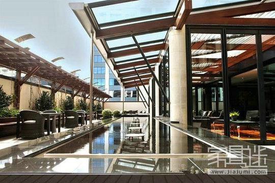 13.1 Auckland Skyline Hotel