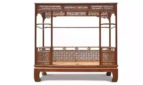 中式古典家具之多之繁,超过西方任何一个国家,每一款都体现了中国人对于美的感知、与对生活的理解,把日子过成艺术,这便是中国人家居艺术中的独到之处。