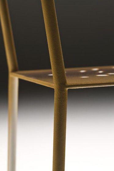 a chair back that mimics the antler texture