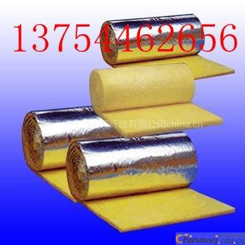 'Simplified introduction of centrifugal glass wool felt