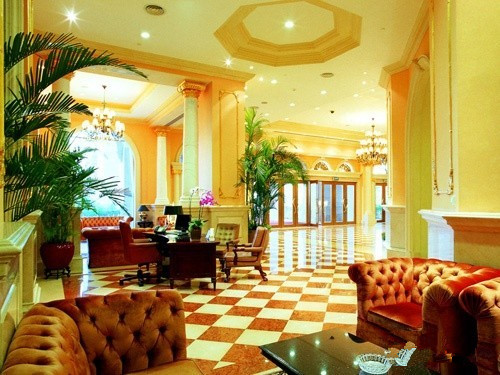 Hotel public service area