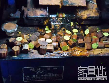 5 How does the lobular rosewood make bracelets from logs? .jpg