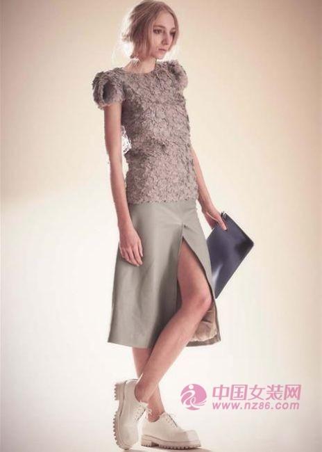 2014秋季女装流行趋势:柔和之美(图4)