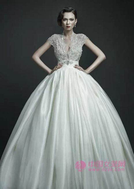 2015年婚纱流行趋势:梦幻蕾丝(图2)