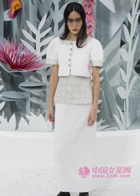 2015春夏时装周流行趋势:优雅透视(图4)