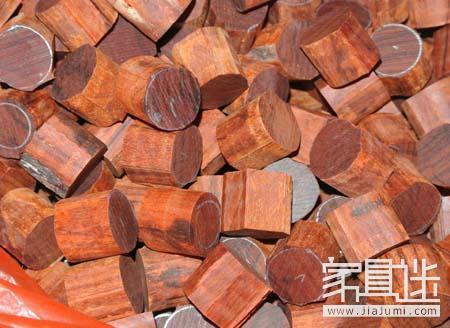4 How does the lobular rosewood make bracelets from logs? .jpg