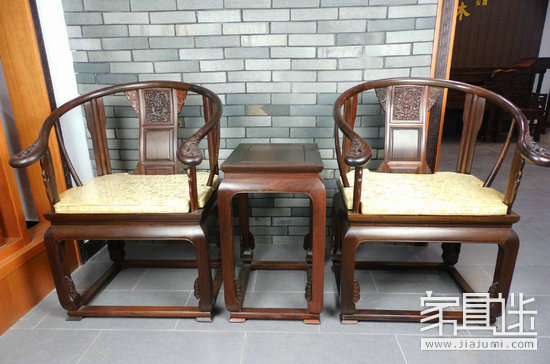 Buying furniture furniture is a person: a circle chair is like a person who is mean and honest.