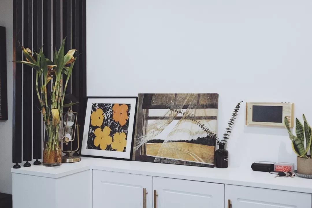 最近公布的2018年12月家具销售数字显示:12月当月限额以上家具销售企业销售家具250.5亿元,比去年同期大幅上升12.7%。创下全年第二高的同比增速。