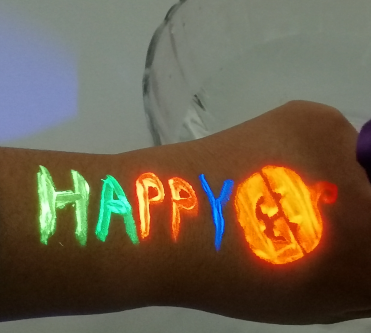 How to use UV face paint for Halloween Festival and Party?