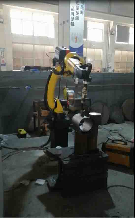 Manipulator welding for fully welded ball valve