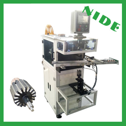 Armature insulation paper inserting machine