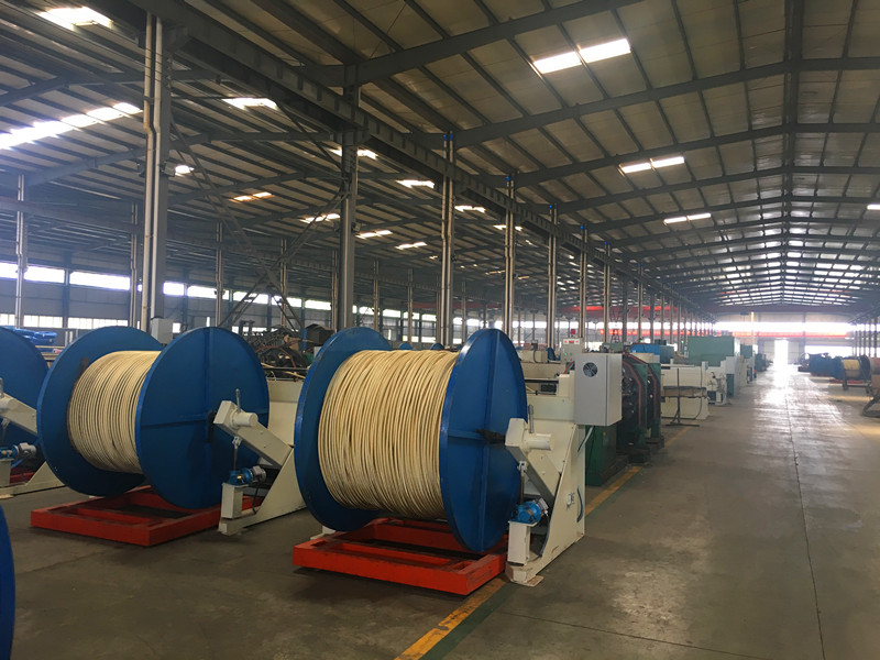 small size hydraulic hose braiding machine