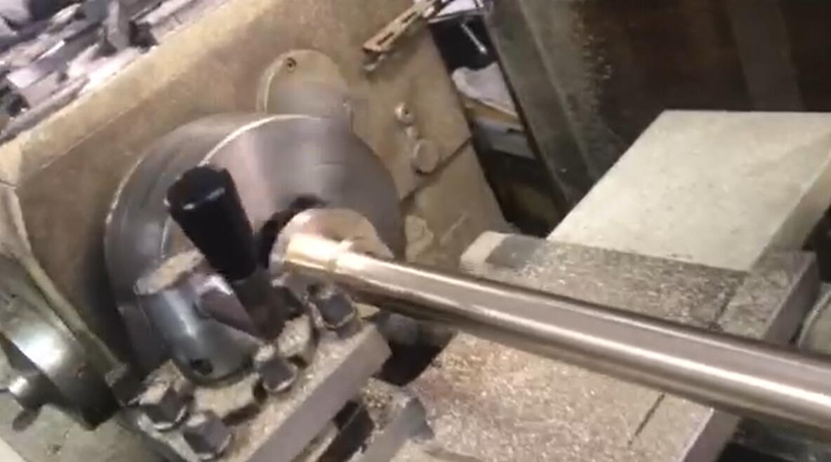 Lathe turning machining aluminum rod