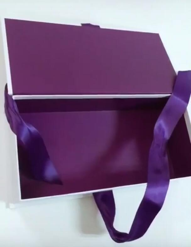 High-End Clothing Paper Box