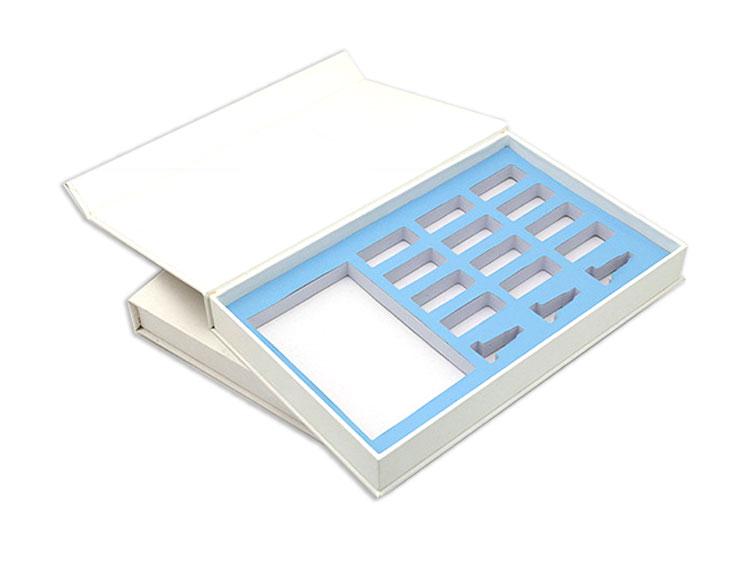 Custom gift box with built-in sponge