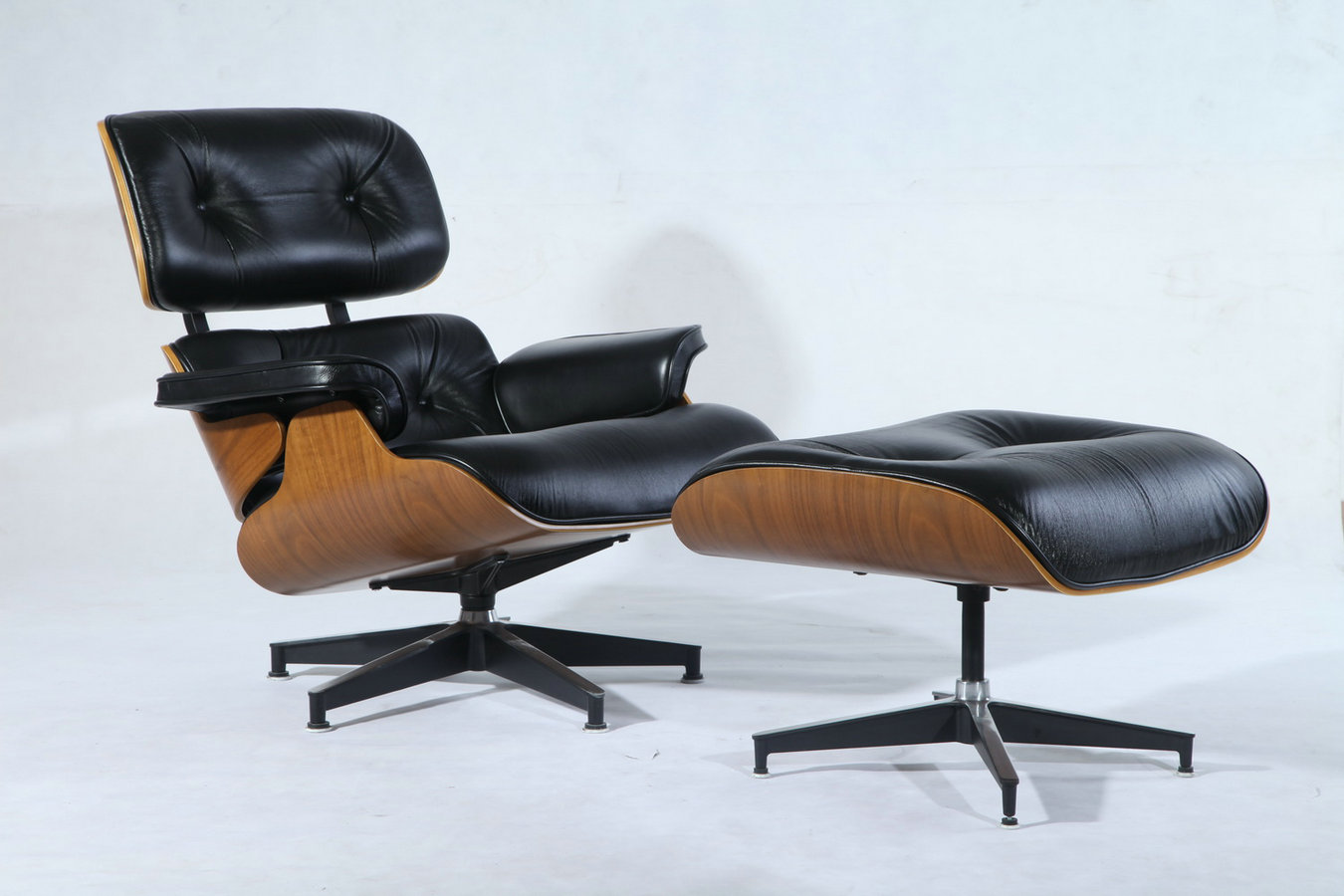 Premium eames lounge chair