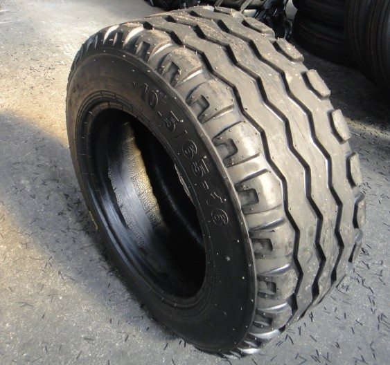 10.5/65-16 Imp Agricultural Tyre