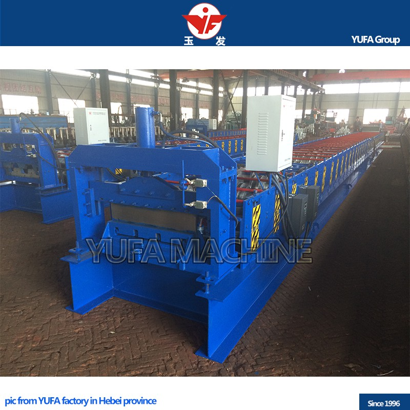Stable forming floor deck roll forming machine