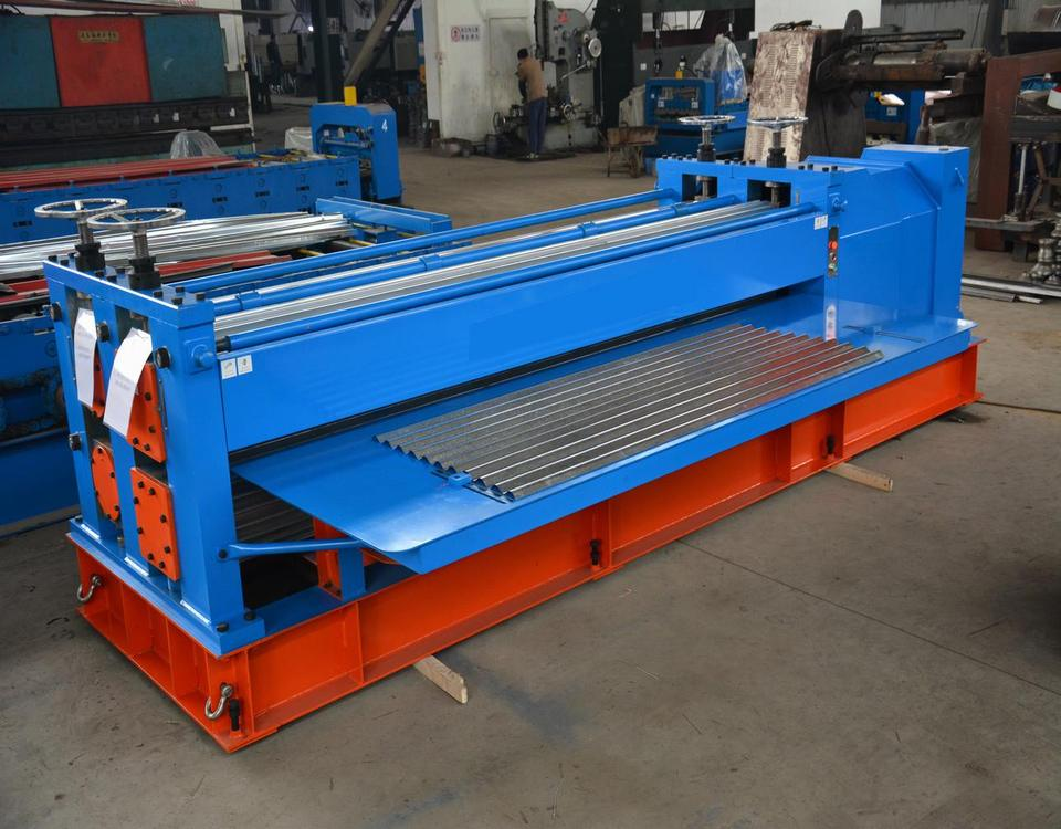 Barrel type roll forming machine
