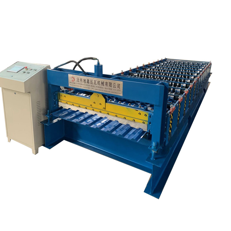Metal sheet cold roll forming machine