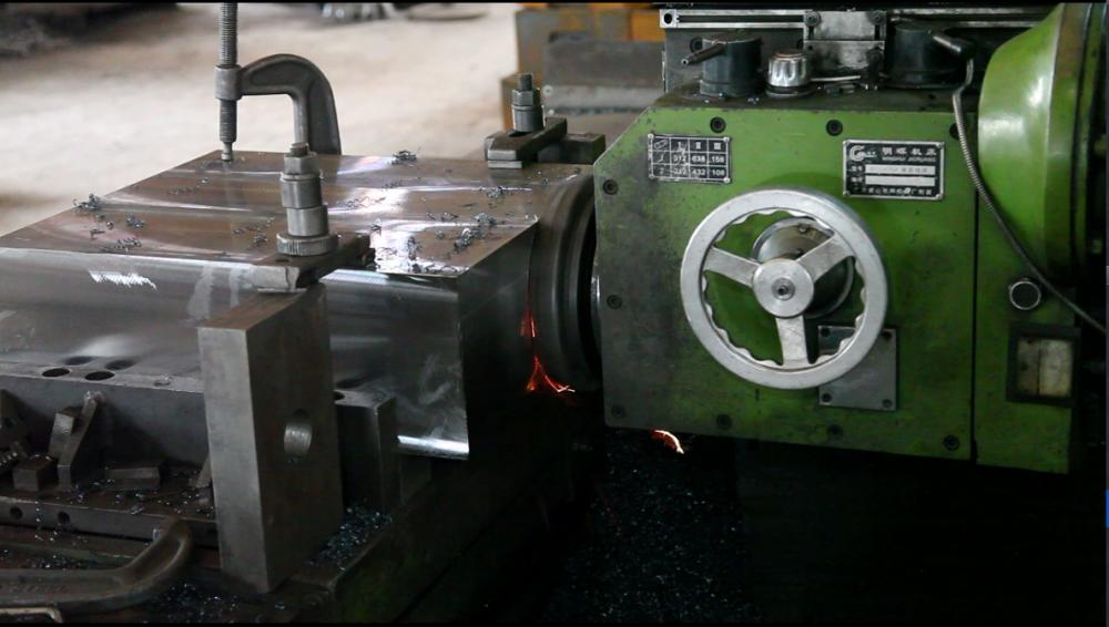 Large Milling Machine 2