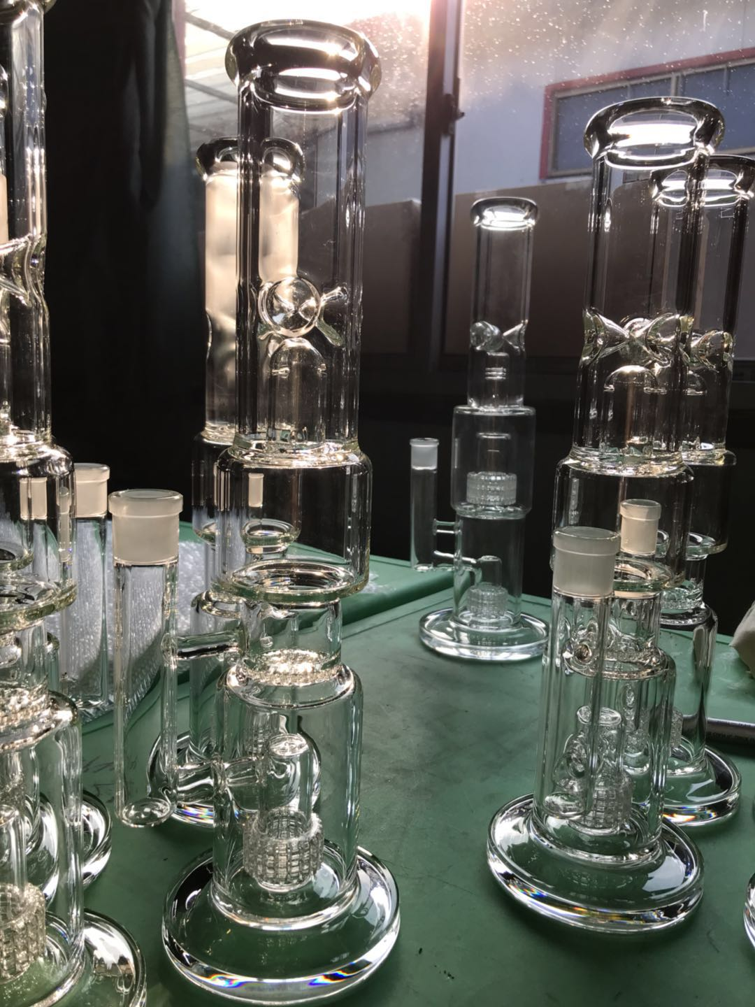 glass bongs and pipes wholesale