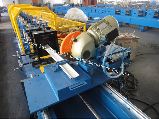 PU Sandwich Foam Shutter Door Roll Forming Machine