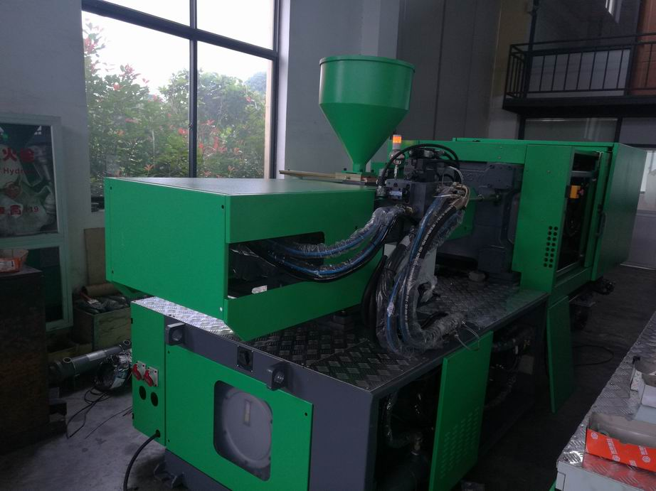 160 Ton Servo Plastics Injection Molding Machine with B&R Controller