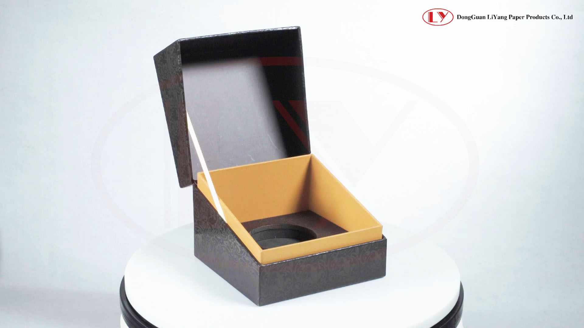 Cardboard Packaging Perfume Gift Box Made in China