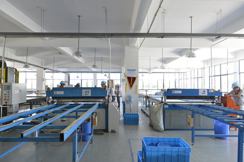 detail picture for production automatic cutting