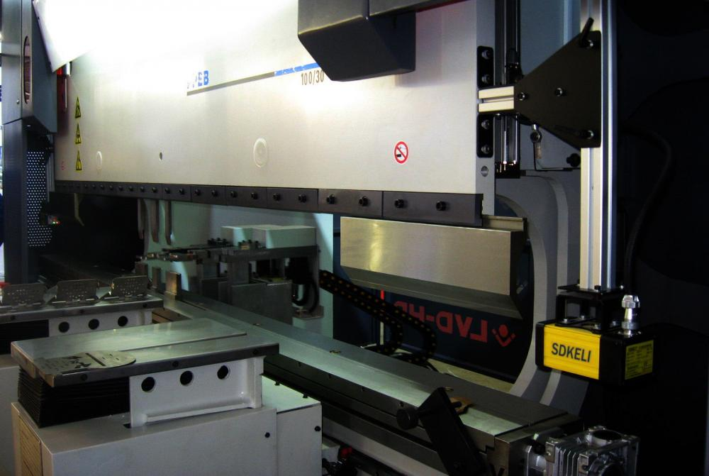 SDKELI BLPS laser safety protection device for press brake type 4 with CE certificate application