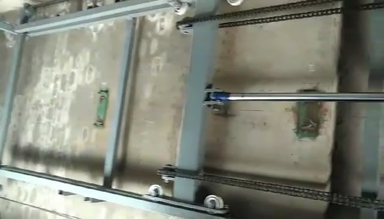 vertical rail guide freight lift